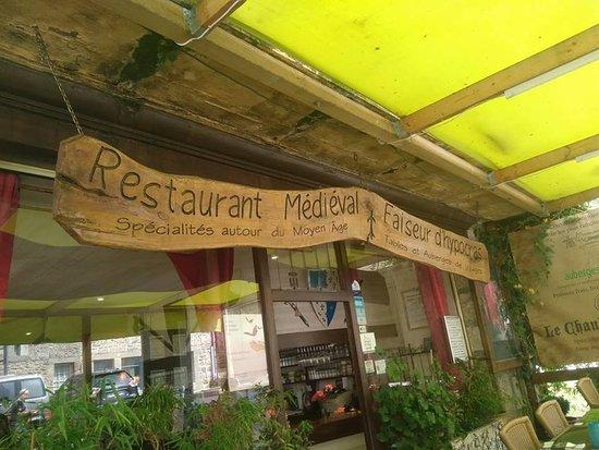 Moncontour, França: Chaudron Magique