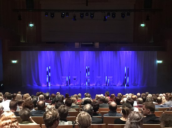 Pitea, สวีเดน: I väntan på show...