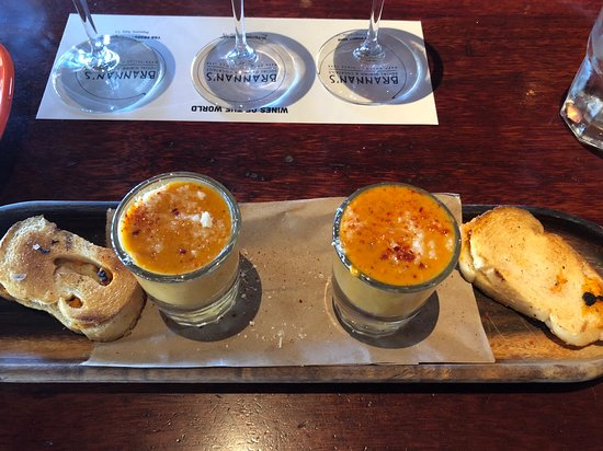Brannan's Grill: Soup and Grilled Cheese Sandwiches