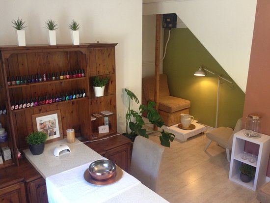 St Davids, UK: Nail bar