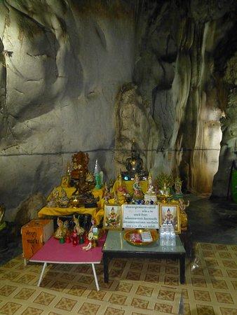Chai Badan, Таиланд: Votive offerings
