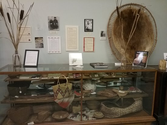 Pacific County Historical Society and Museum: Native tools for living and survival.