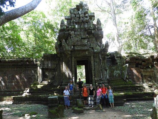 Amazing Angkor Adventure: trekking activities through the temple