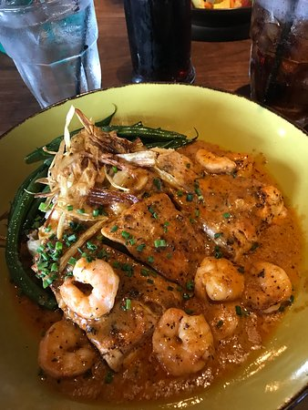 Jimmy's Famous American Tavern: Red Snapper Creole-style!