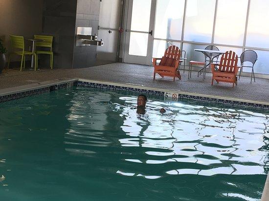 Home2 Suites by Hilton Dover, DE: Indoor pool