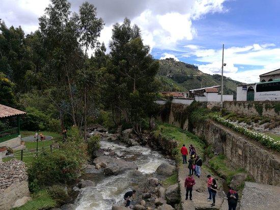 Mongui, Kolumbien: Vista desde el puente calicanto