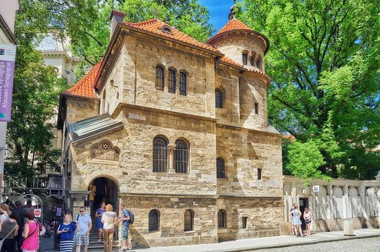 Jewish History and Old Town Walking ...
