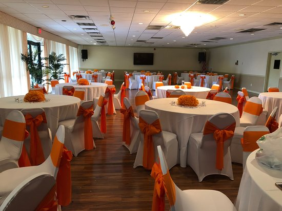 Winter Haven Gardens Inn & Banquet Center: Ballroom