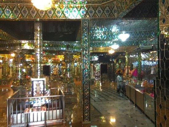 Arulmigu Sri Rajakaliamman Glass Temple: glass temple