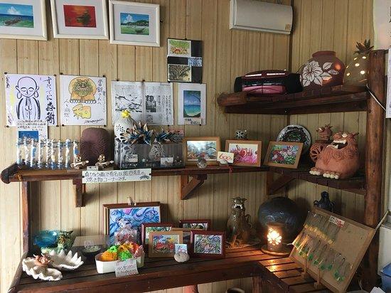Ishigakijima Pineapple Club: 店内風景