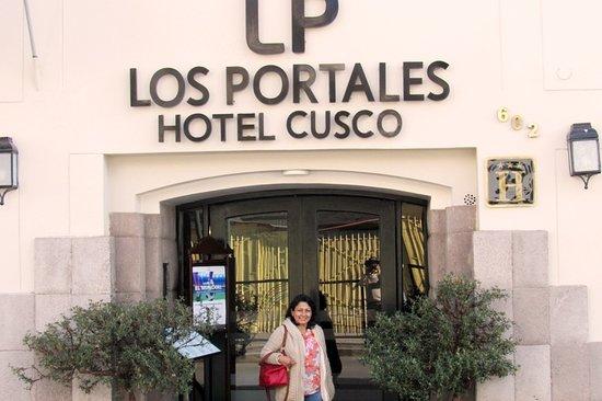 LP Los Portales Hotel Cusco: At the entrance of Los Portalies at Cusco