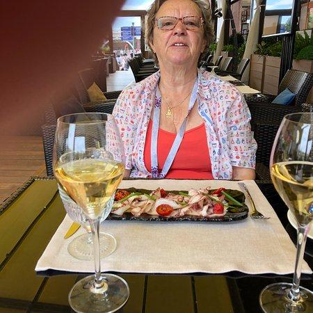 Mittagessen im Peshi. Super Service, Super Qualität der Speisen. Internationale feine Küche