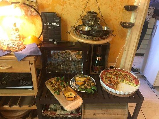 The Apartment: cucina