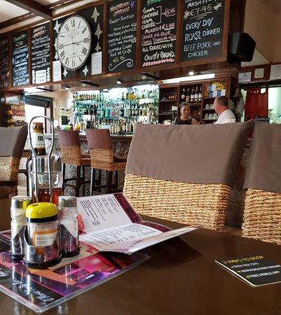 O'Maras: Great pub