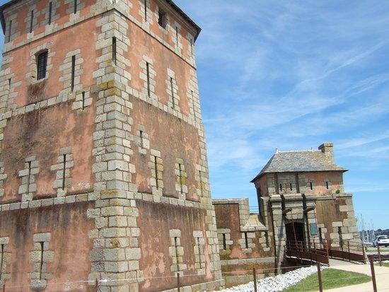 Tour Vauban: l'accès à la tour