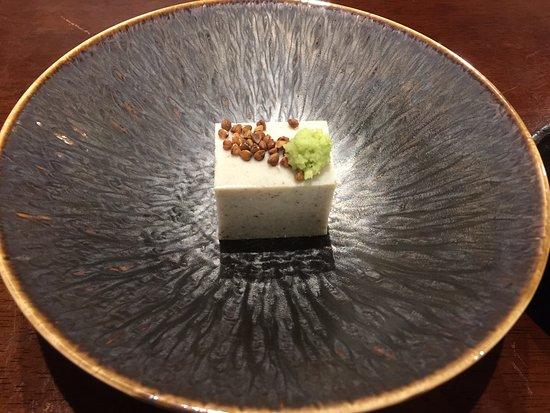Jugemu: 「昼のそば懐石」の蕎麦豆腐です。
