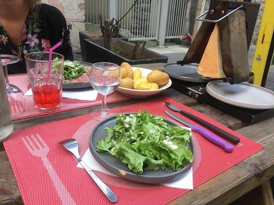 le refuge lyon 52 rue tramassac restaurant reviews phone number photos tripadvisor. Black Bedroom Furniture Sets. Home Design Ideas