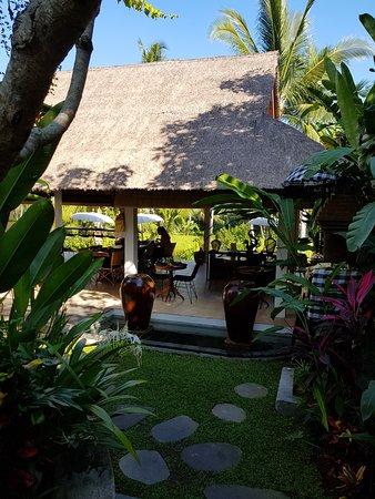 Calma Ubud: Community dining/hangout area very relaxing