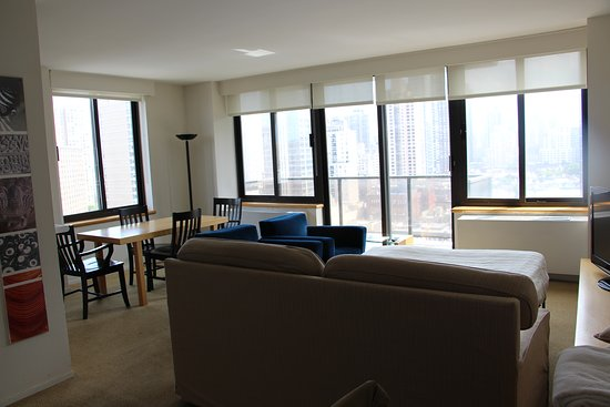 the marmara manhattan sallesalon avec canap lit confortable vue superbe sur manhattan - Canape Lit Confortable