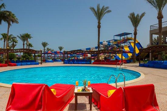 Pool - Picture of Hawaii Palm Aqua Park, Hurghada - Tripadvisor