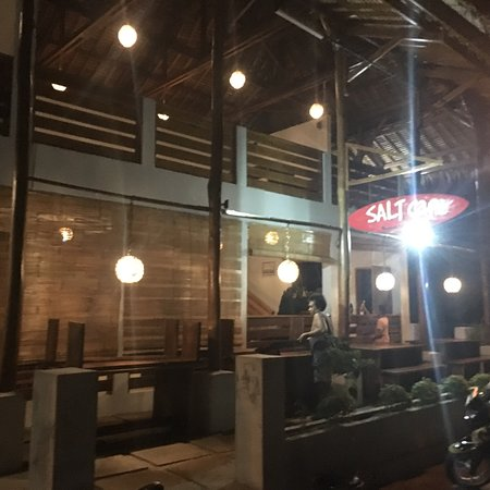 Batu Karas, Indonesia: Closing time Salt Cafe