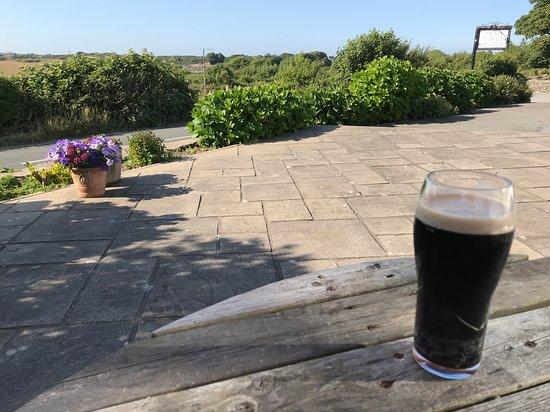 Amlwch, UK: Nice view to enjoy a pint