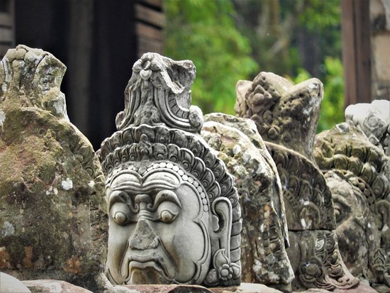 Amazing Angkor Adventure: Demon status at North-Gate of Angkor Thom