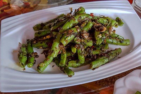 Tibetan Family Kitchen: Fried beans