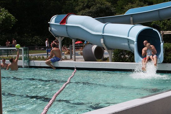 Roermond, The Netherlands: Reuzewaterglijbaan Familiebad de Bosberg van wel  bijna 50 meter