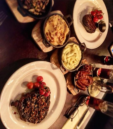 Drogheda, Irlanda: Steak is what we do.
