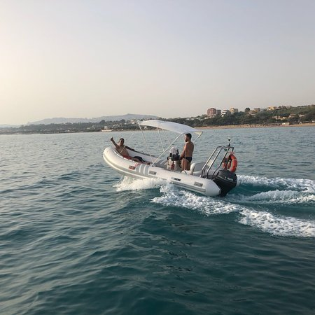 Atenea Rent Boat