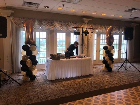 Somers Point, NJ: Awesome Sweet 16