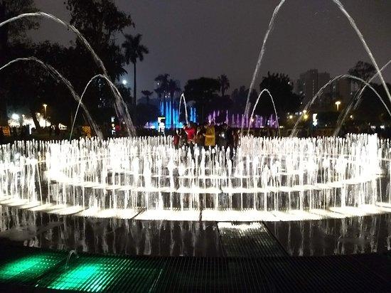 利马灯光喷泉秀照片