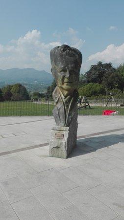 Piazza Ghiringhelli