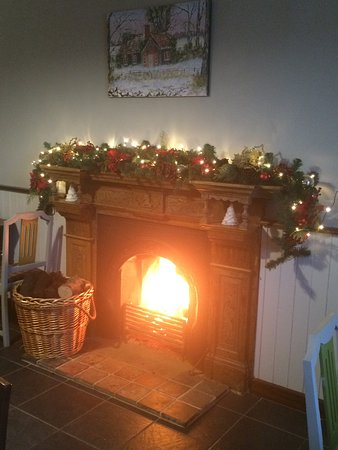 The Castle Coffee House & Eatery: Cosy time in winter