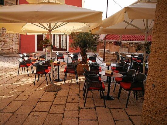 Rebus Bar