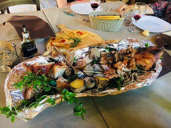Punto di Ristoro Nuraghe Majori: Porcetto (suckling pig)