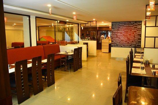 Crescent Pondi: Great Ambiance And Amazing Food
