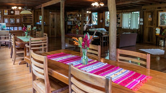Casa Divina Lodge: The dinning area.