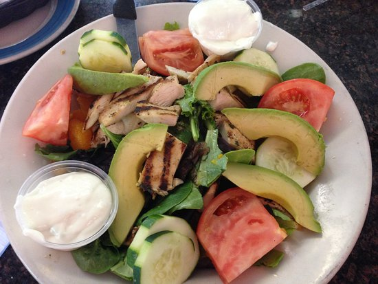 Newtown, CT: musclan mix salad