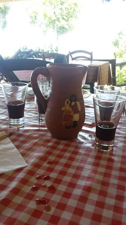 Agriturismo Sa Sughereta: Vino Canonau