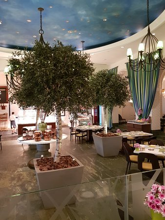 The Palace At One&Only Royal Mirage Dubai: Restaurant Olives