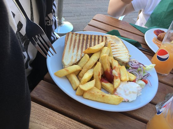 The Fountain Bar: Tuna Toastie