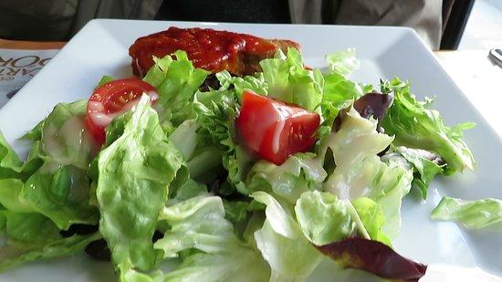 Le Saint-Martin's: Tuna plate with salad.