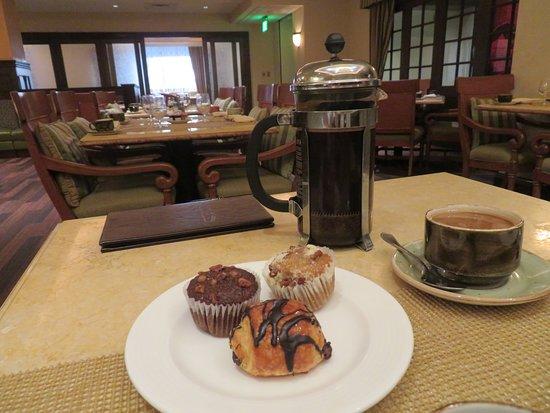 Capriccio Grill : pastries and french press coffee
