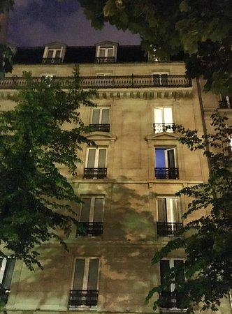 Hotel Le Royal : The buildingg