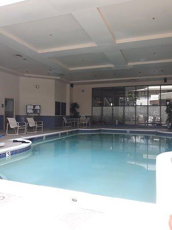 洛杉矶国际机场北使馆套房酒店照片