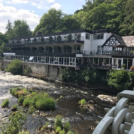 The Chainbridge Hotel: A quiet day by the river avoiding the football