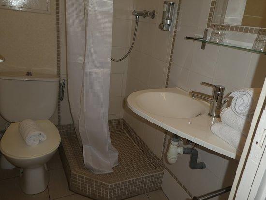 Hôtel Centre Plage : salle de bain