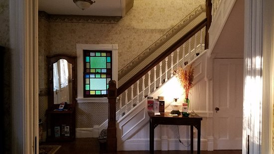 Stonegate Bed and Breakfast: 20180704_194924_large.jpg